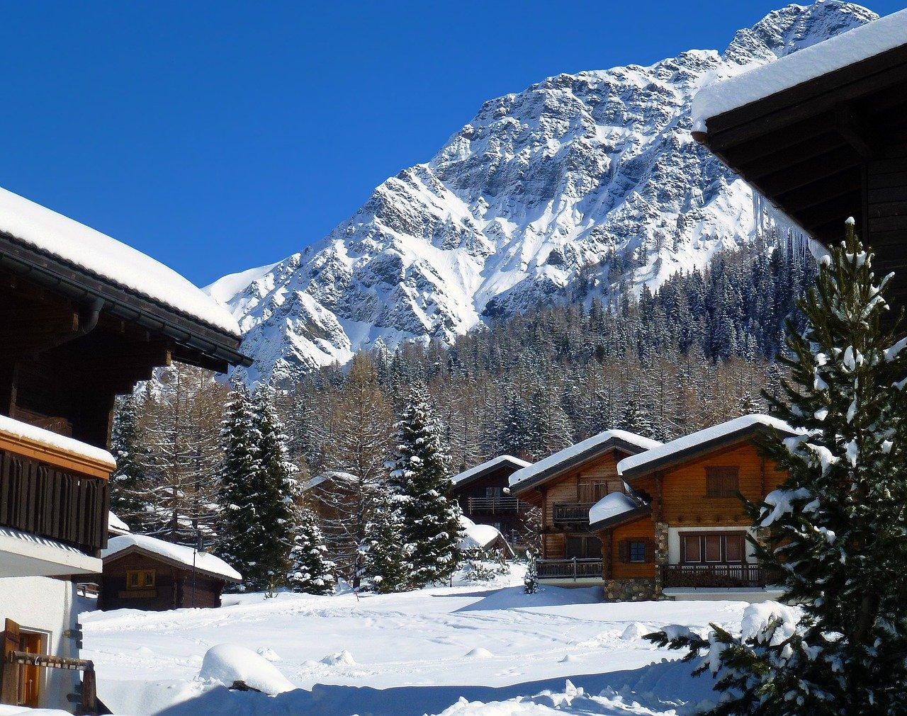 les meilleures régions alpines pour une location de chalet montagne luxe