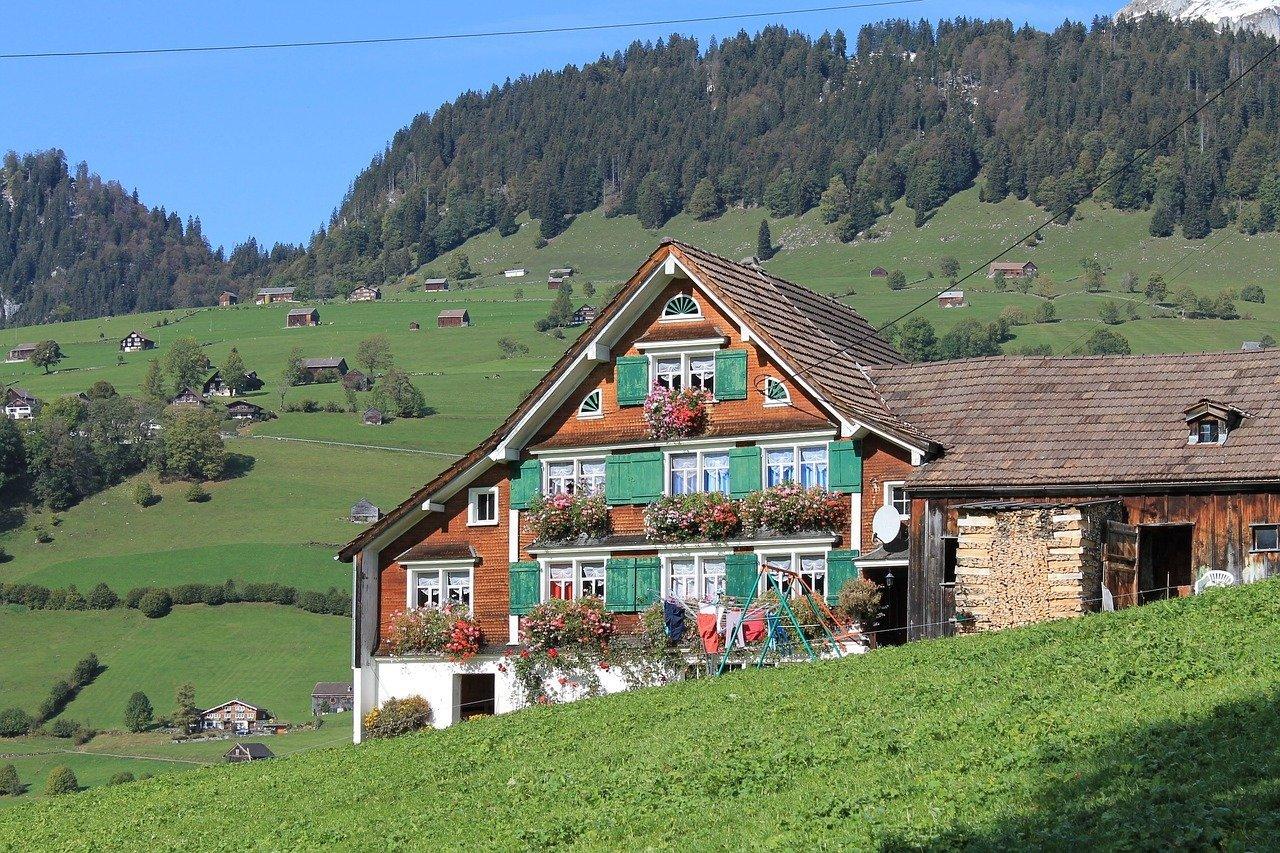 Les meilleures stations pour louer ou acheter un chalet de montagne de luxe dans les alpes